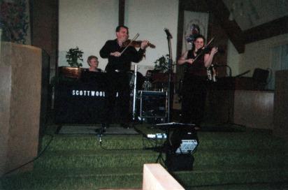 Terri with her fiddle idol, Scott Woods (2009)